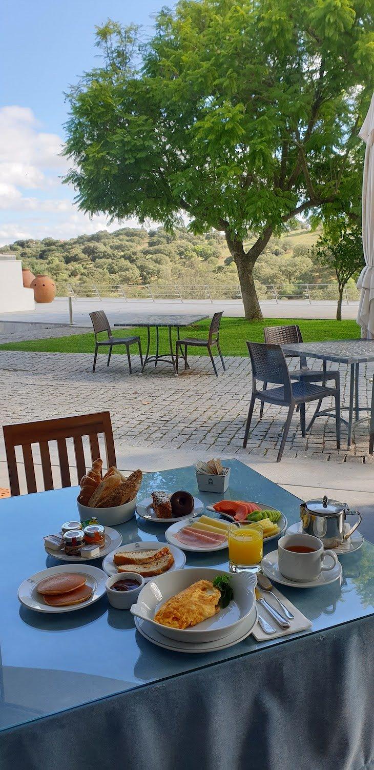 Pequeno-almoço da Pousada Convento Arraiolos - Alentejo - Portugal © Viaje Comigo