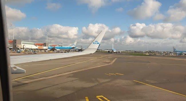 Aeroporto de Amesterdao - outubro 2020 © Viaje Comigo