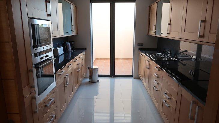 Cozinha da minha casa no Vale do Lobo Resort - Algarve - Portugal © Viaje Comigo