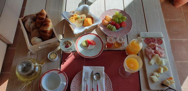 Pequeno-almoço na Herdade da Malhadinha Nova - Country House & Spa, Alentejo, Portugal © Viaje Comigo