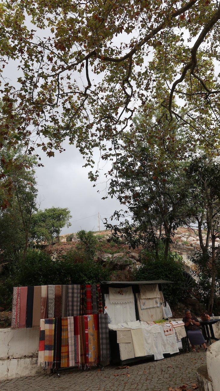 Senhora que faz rendas - Villa Termal Caldas de Monchique Spa Resort © Viaje Comigo