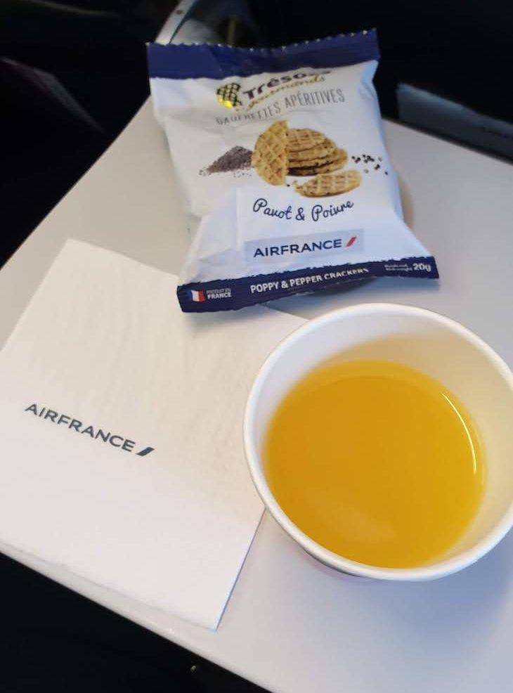 Snack no voo da Air France -outubro 2020 © Viaje Comigo