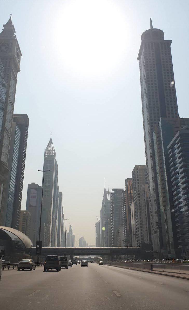 Avenida no Dubai © Viaje Comigo