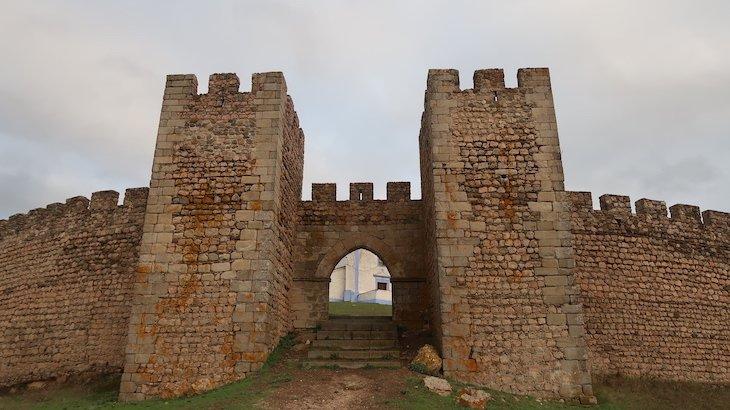 Entrada no Castelo, Arraiolos - Alentejo - Portugal © Viaje Comigo