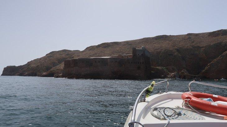 Passeio de barco nas Berlengas - Portugal © Viaje Comigo
