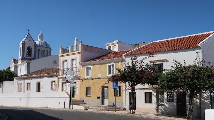 Igreja e casas de Castro Marim - Algarve - Portugal © Viaje Comigo