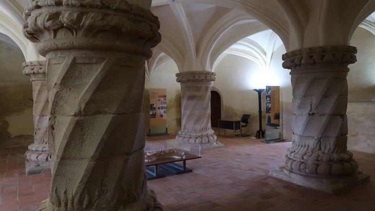 Dentro do Castelo de Evoramonte - Alentejo - Portugal © Viaje Comigo