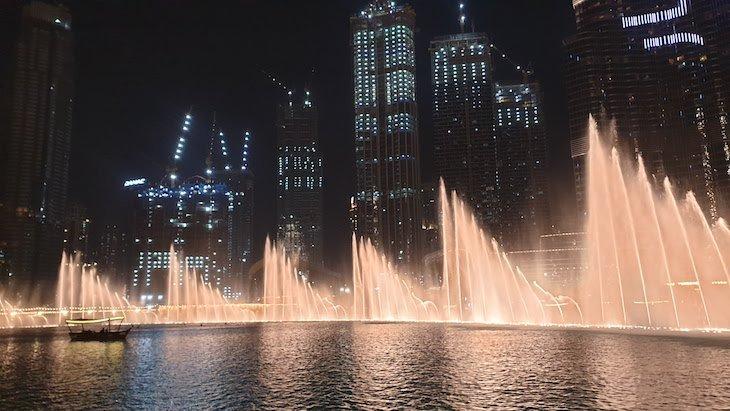 Fontes luminosas - Burj Khalifa /Dubai Mall - Dubai © Viaje Comigo