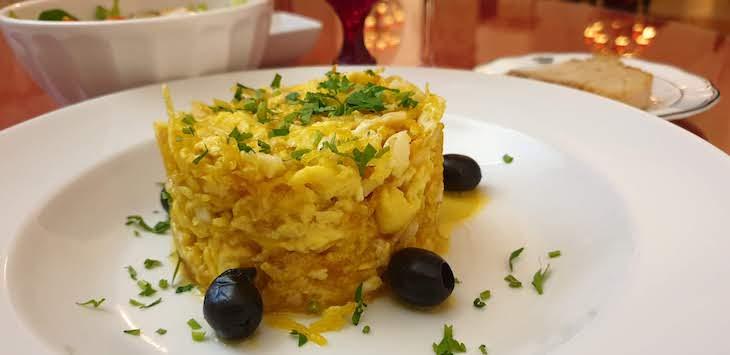 Bacalhau dourado, no jantar da Pousada Castelo Estremoz - Alentejo - Portugal © Viaje Comigo