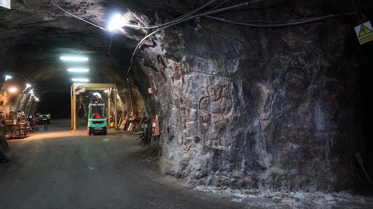 Pedra esculpida por mineiros - Minas de Sal-Gema - Loulé - Algarve © Viaje Comigo