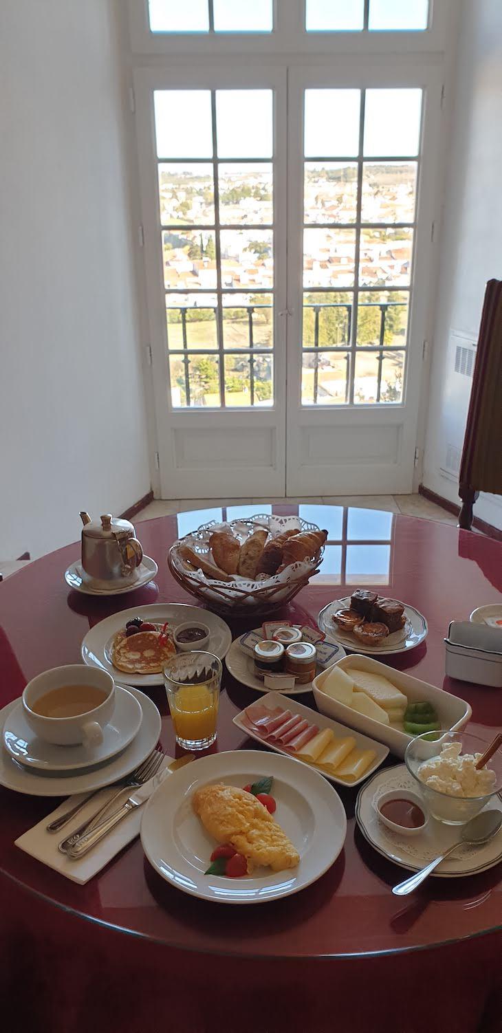 Pequeno-almoço da Pousada Castelo Estremoz - Alentejo - Portugal © Viaje Comigo