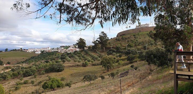 Vista para o Castelo de Arraiolos - Alentejo - Portugal © Viaje Comigo