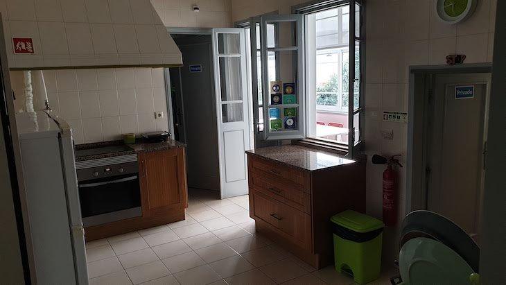 Cozinha do Loulé Coreto Hostel - Loulé - Algarve © Viaje Comigo