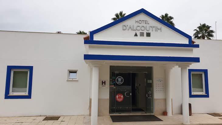 Entrada do Hotel D' Alcoutim - Algarve - Portugal © Viaje Comigo