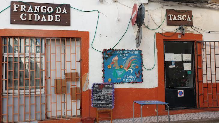 Frango na Cidade Tasca -Restaurantes Olhão - Algarve © Viaje Comigo