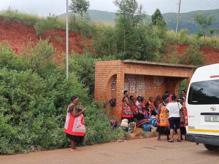 Mulheres e traje na Suazilândia © Viaje Comigo