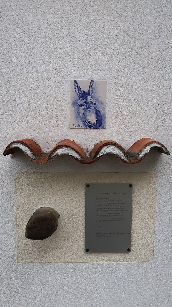 Pedra para amarrar o burro - Alcoutim - Algarve - Portugal © Viaje Comigo