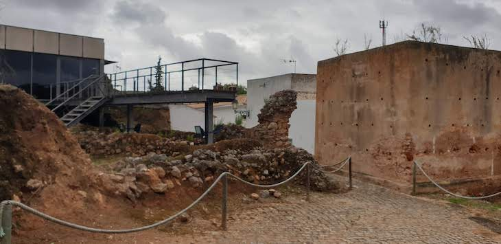 Ruínas do Castelo de Salir - Loulé - Algarve - Portugal © Viaje Comigo