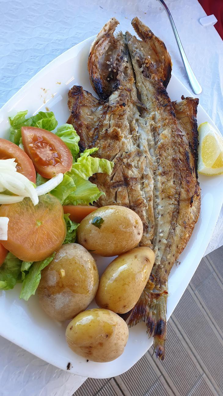 Anchova, restaurante Janoca, Ilha da Culatra - Algarve - Portugal © Viaje Comigo