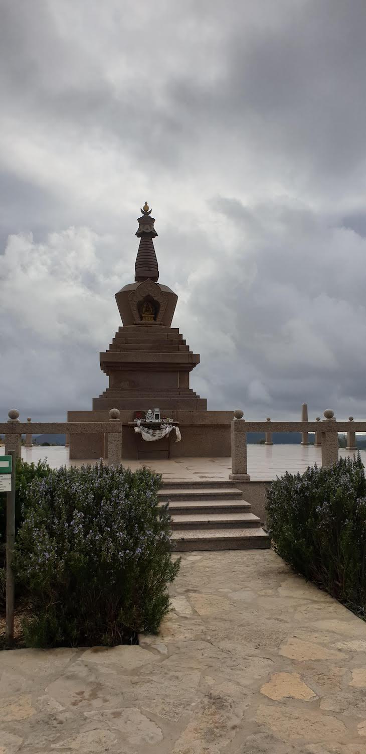 Estupa do Alto do Malhão - Loulé - Algarve - Portugal © Viaje Comigo