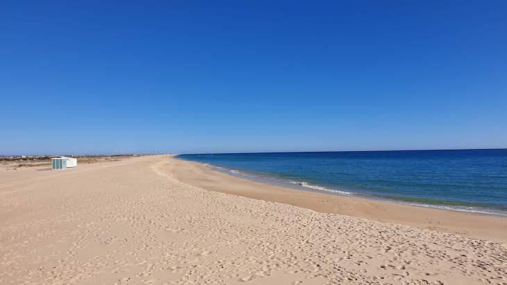 No inverno: Praia Ilha do Farol - Faro - Algarve - Portugal © Viaje Comigo
