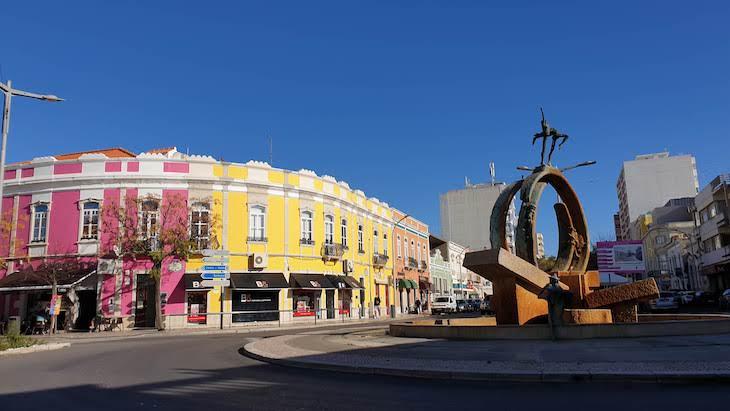 Rotunda da Avenida - Loulé - Algarve © Viaje Comigo