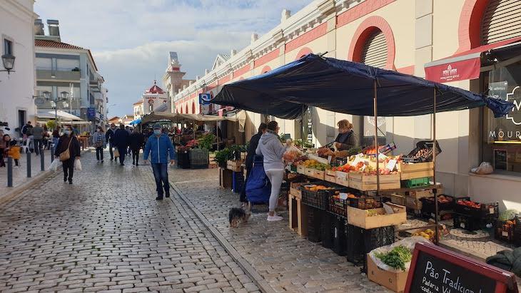 Sábado de manhã no Mercado de Loulé - Algarve © Viaje Comigo