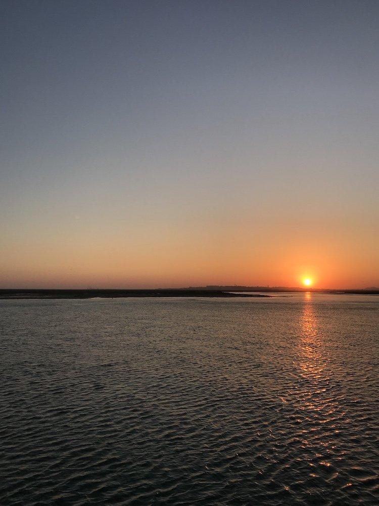 Pôr do sol no Ferry - Culatra © Viaje Comigo