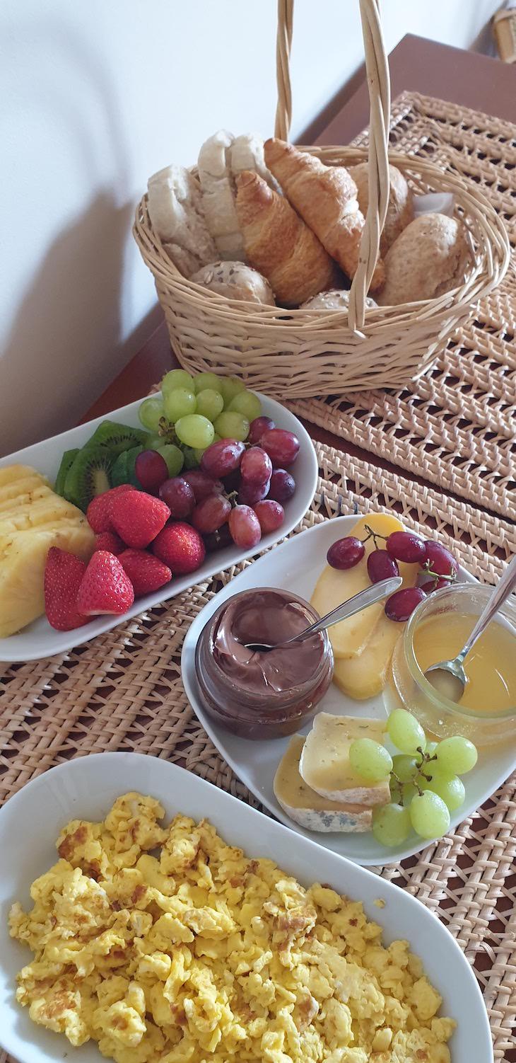 Pequeno-almoço nos Apartamentos Baía da Barca - Pico - Açores © Viaje Comigo