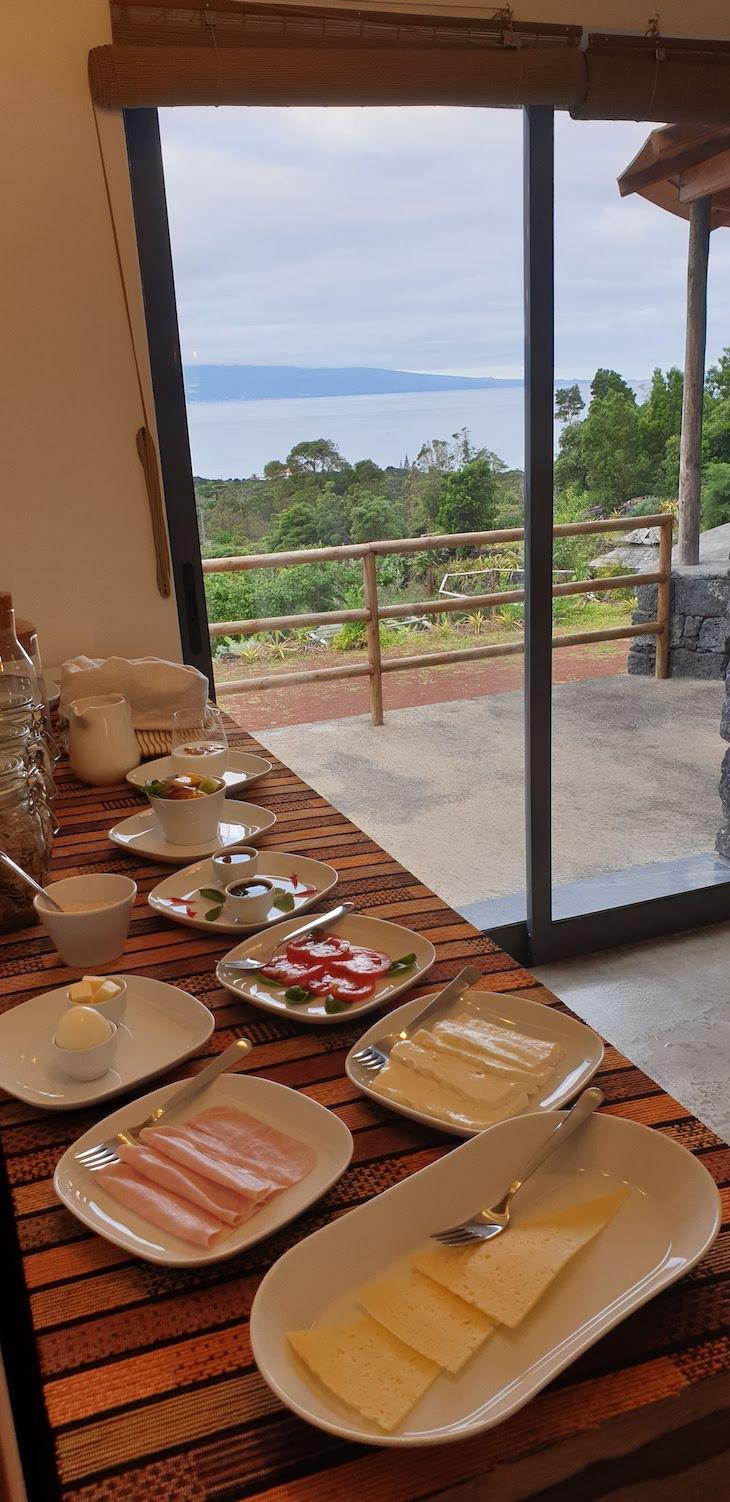 Pequeno-almoço no Retiro Atlântico - São Jorge, Açores © Viaje Comigo