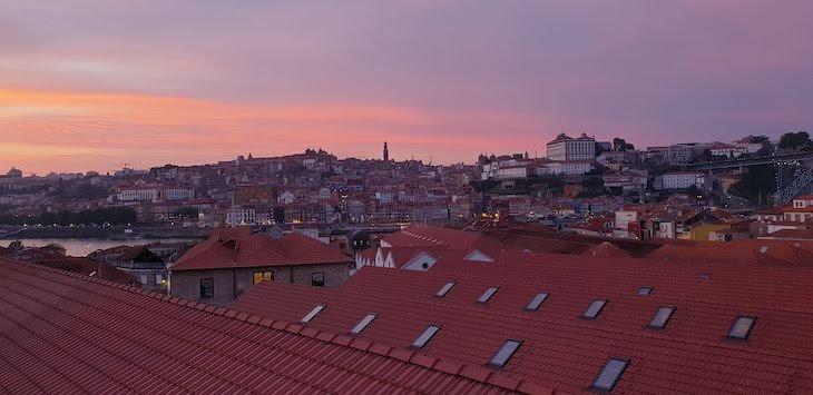 Anoitecer no WOW Porto - Vila Nova de Gaia © Viaje Comigo