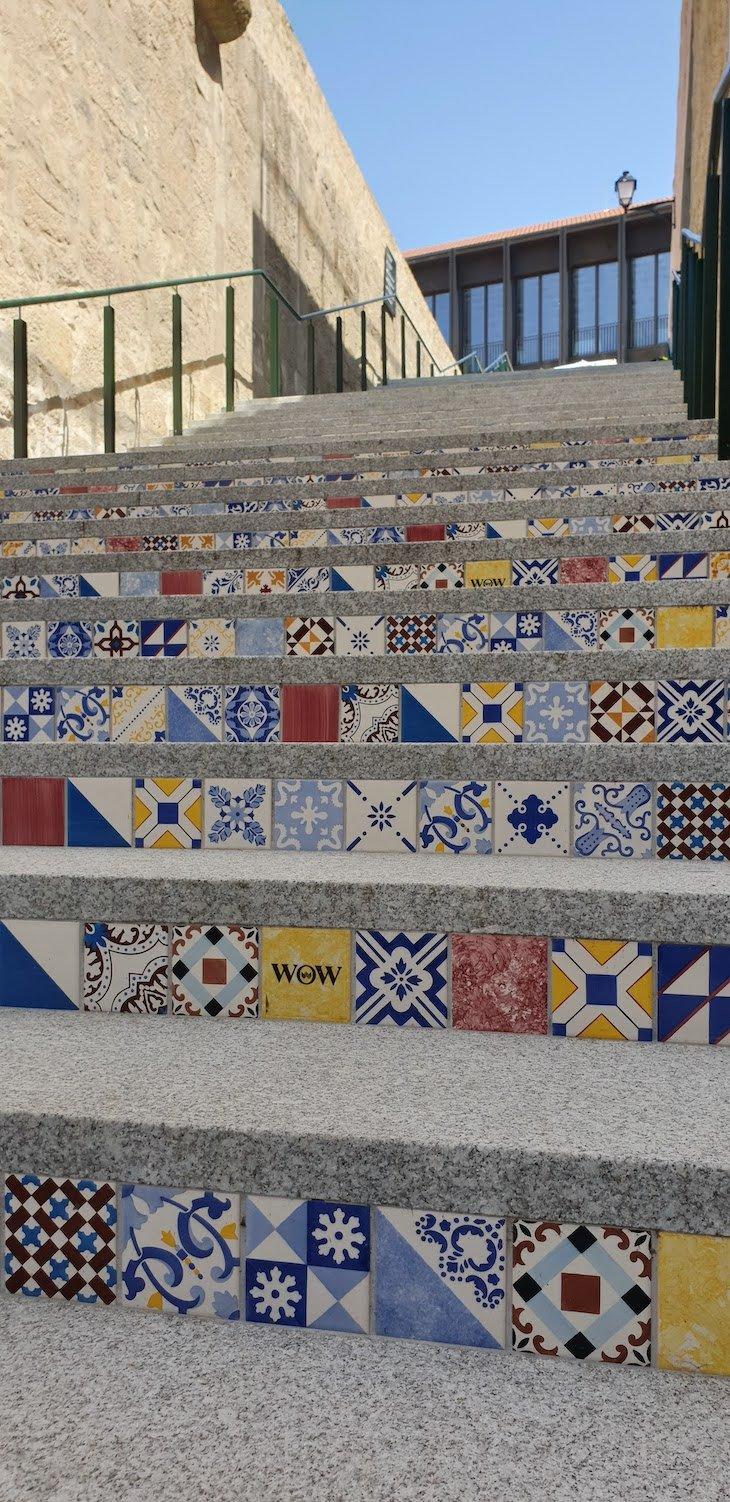 Escadaria de azulejos WOW Porto - Vila Nova de Gaia © Viaje Comigo