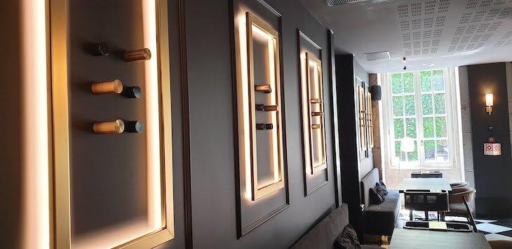 Braille nas paredes do Restaurante Blind - Torel Palace Porto © Viaje Comigo