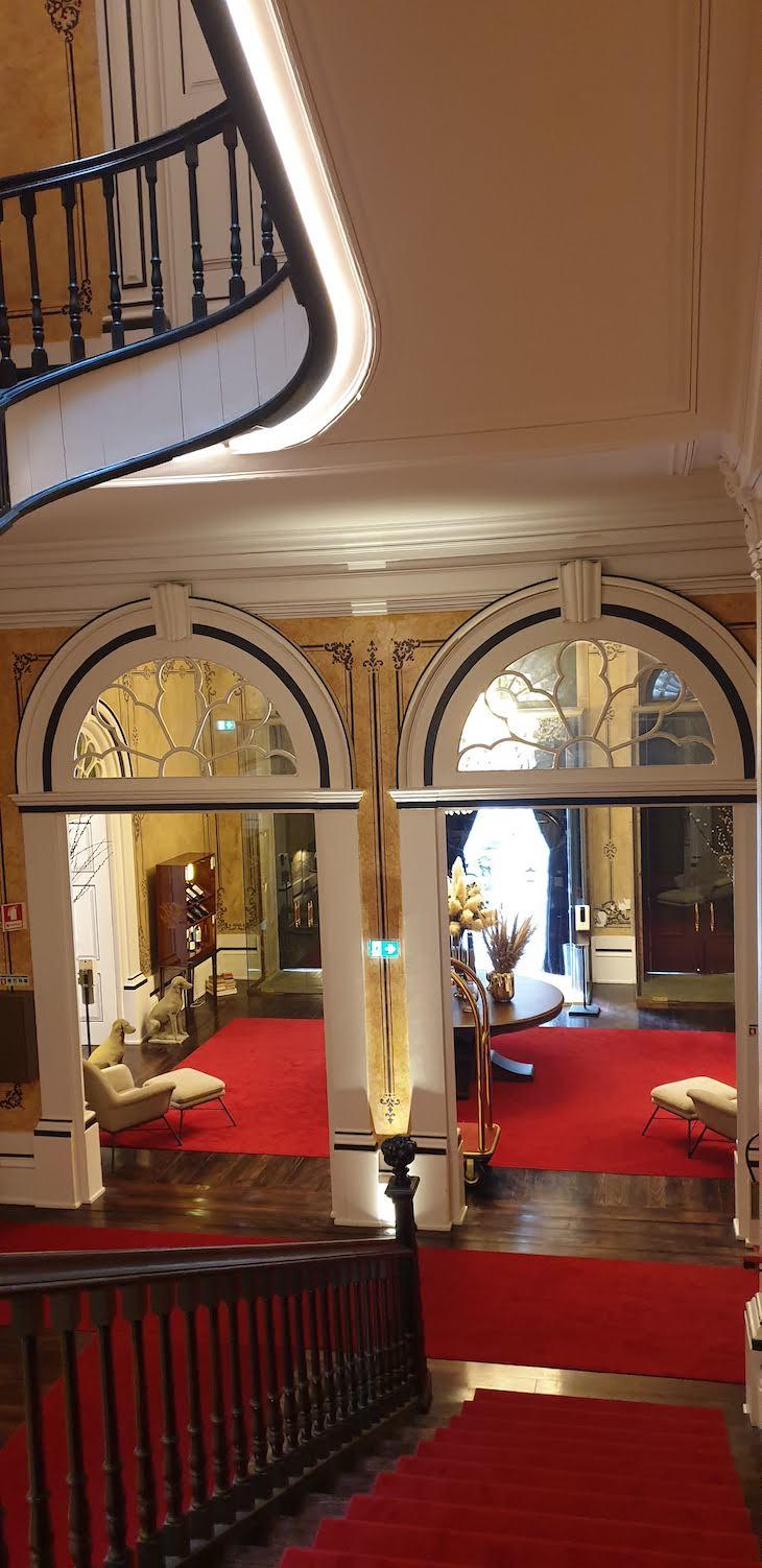 Escadaria do Torel Palace Porto - Porto - Portugal © Viaje Comigo