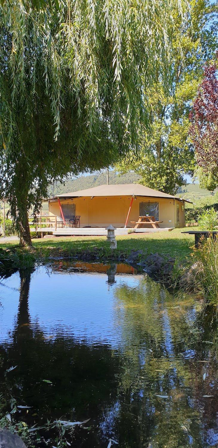 Vista lago e Tenda Ohashi -Quinta Japonesa - Caldas da Rainha - Portugal © Viaje Comigo