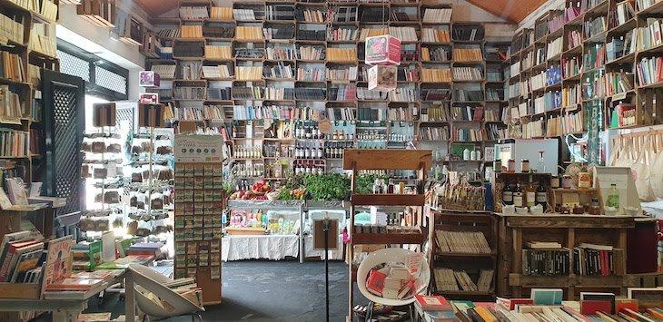Livraria do Mercado Biológico, Óbidos - Portugal © Viaje Comigo