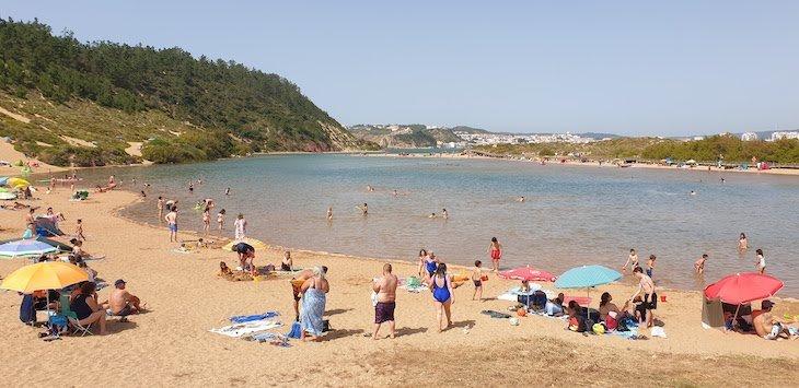 Praia de Salir do Porto - Portugal © Viaje Comigo